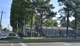 Комплексы апартаментов зеленого цвета деревни, Мемфис, TN стоковая фотография