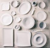 Комплект белых плит Стоковые Фото