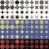 Комплект вектора простых малых цветков и комплект слепимости черных изменений контура на белой предпосылке, желтый на голубой пре Стоковые Изображения RF