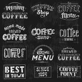 Комплект винтажных ретро ярлыков кофе на доске бесплатная иллюстрация