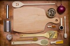 Комплект деревянных утварей и специй Стоковые Фото