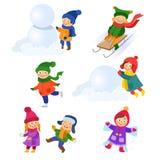 Комплект детей, детей наслаждаясь деятельностями при зимы иллюстрация вектора