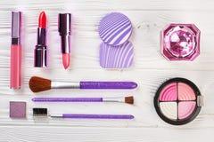 Комплект женских косметик, взгляд сверху Стоковая Фотография