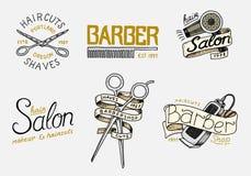Комплект значка и ярлыка парикмахерскаи, эмблемы логотипа и битника Инструменты для значка человека Стрижка бороды и усика brushe иллюстрация штока