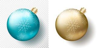 Комплект 2 изолировал безделушки, сферы или шарики реалистического рождества прозрачные в металлическом золотом и голубом цвете с бесплатная иллюстрация