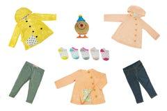 Комплект коллажа одежд детей Весна концепции и ткань лета стоковые фотографии rf