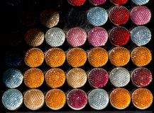 Комплект красочных ярких шить кнопок Стоковые Изображения