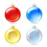 Комплект лоснистых шариков рождества на белой предпосылке. Стоковое Фото