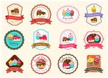 Комплект милого сладостного ярлыка и логотипа значка хлебопекарни иллюстрация вектора