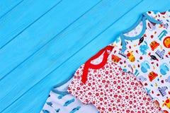 Комплект младенческой одежды хлопка младенца Стоковые Изображения RF