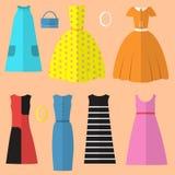 Комплект одежды и аксессуаров женщин в стиле шестидесятых годов Стоковые Фотографии RF