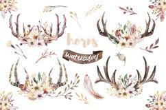 Комплект печати antler boho акварели флористической западное богемское украшение Нарисованные рукой винтажные рожки оленей с цвет иллюстрация вектора