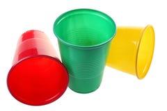комплект пластмассы чашки стоковые фото