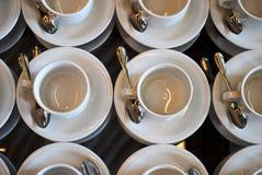 Комплект пустой белой керамической кофейной чашки чая или и поддонников, верхней части VI Стоковая Фотография RF
