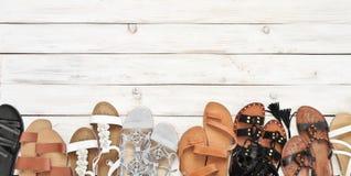 Комплект различных кожаных сандалий Стоковое Фото