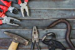 Комплект различных оборудования, аппаратур и инструментов для ручной работы Стоковое Изображение RF