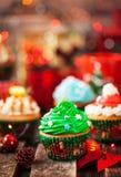 Комплект различных очень вкусных пирожных рождества стоковая фотография rf