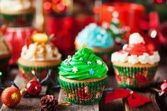 Комплект различных очень вкусных пирожных рождества стоковые фотографии rf