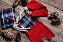 Комплект рождества одежд для фотосессии newborn Стоковое фото RF