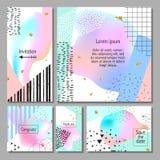 Комплект художнических красочных всеобщих карточек Стиль Мемфиса Свадьба, годовщина, день рождения Стоковая Фотография RF