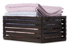 Комплект цвета полотенец в ванне коробки Стоковая Фотография RF