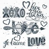 Комплект цитат влюбленности Литерность нарисованная рукой Валентайн дня счастливое s XOXO Aime ` Je t Freehand стиль Романтичный  бесплатная иллюстрация