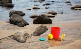 Комплект шарика, ведра и лопаты Стоковое фото RF