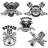 Комплект эмблем ремонта мотоцикла Мотор, инструменты, поршень Конструируйте элемент для логотипа, ярлыка, эмблемы, знака, футболк иллюстрация штока