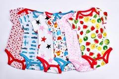 Комплект bodysuits детей напечатанных хлопком стоковые фото
