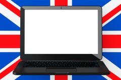 Компьтер-книжка с пустым экраном перед Великобританией большого Bri Стоковые Изображения RF