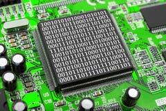 Компьютерная микросхема и байты стоковое изображение