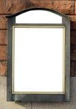 компьютер кирпича афиши пустой представляет стену Стоковая Фотография RF