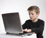 компьютер мальчика Стоковые Изображения RF