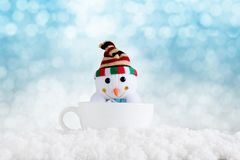 компьютер рождества предпосылки произвел год вектора счастливого изображения веселый новый Снеговик в wi чашки Стоковые Изображения RF