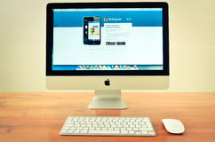Компьютер Imac при показанный вебсайт instagram Стоковое Изображение RF