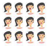 Комплект азиатского характера emoji Значки эмоции стиля шаржа Изолированные воплощения девушки с различными выражениями лица Плос Стоковые Изображения