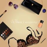 Комплект аксессуаров женщин с косметиками, сумка, бюстгальтер, губная помада, солнечные очки, щетка также вектор иллюстрации прит Стоковое фото RF