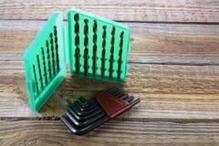 Комплект бурового наконечника и ключи Alllen стоковая фотография
