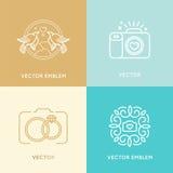 Комплект вектора шаблонов дизайна логотипа фотографии свадьбы Стоковое Изображение