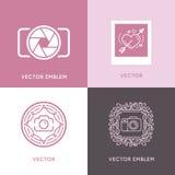 Комплект вектора шаблонов дизайна логотипа фотографии свадьбы Стоковая Фотография RF