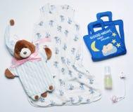 Комплект взгляд сверху вещества nighttime моды ультрамодного для newborn младенца Стоковые Изображения RF