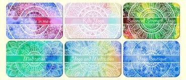 Комплект визитных карточек с орнаментом нарисованным рукой племенным над предпосылкой акварели Стоковые Изображения