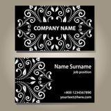 Комплект винтажных пустых черных карточек элегантности с курчавым белым цветочным узором Стоковая Фотография