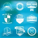 Комплект горы и взбираясь логотипов Стоковые Изображения RF