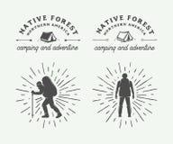 Комплект года сбора винограда располагаясь лагерем внешний и рискует логотипы, значки бесплатная иллюстрация