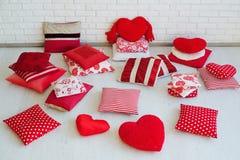 Комплект декоративных красных подушек Стоковые Изображения
