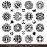 Комплект декоративных этнических мандал План изолирует орнамент Vector дизайн с исламом, индейцем, арабскими мотивами иллюстрация штока