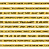 Комплект ленты желтого цвета места преступления, линии полиции, опасности, огня, не пересекает ленту Плоск-стиль шаржа также вект Стоковая Фотография RF