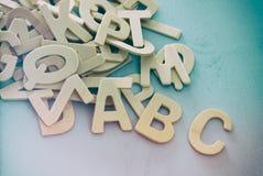 Комплект деревянные письма английского алфавита Стоковые Изображения