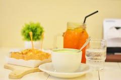 Комплект завтрака сделал легкий Стоковые Фото